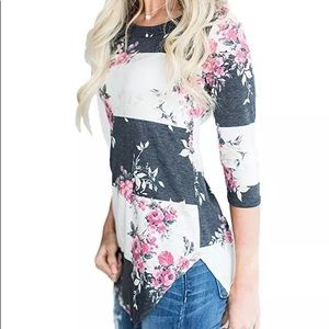 NEW Gray and White Floral 3/4 Sleeve Loose Top